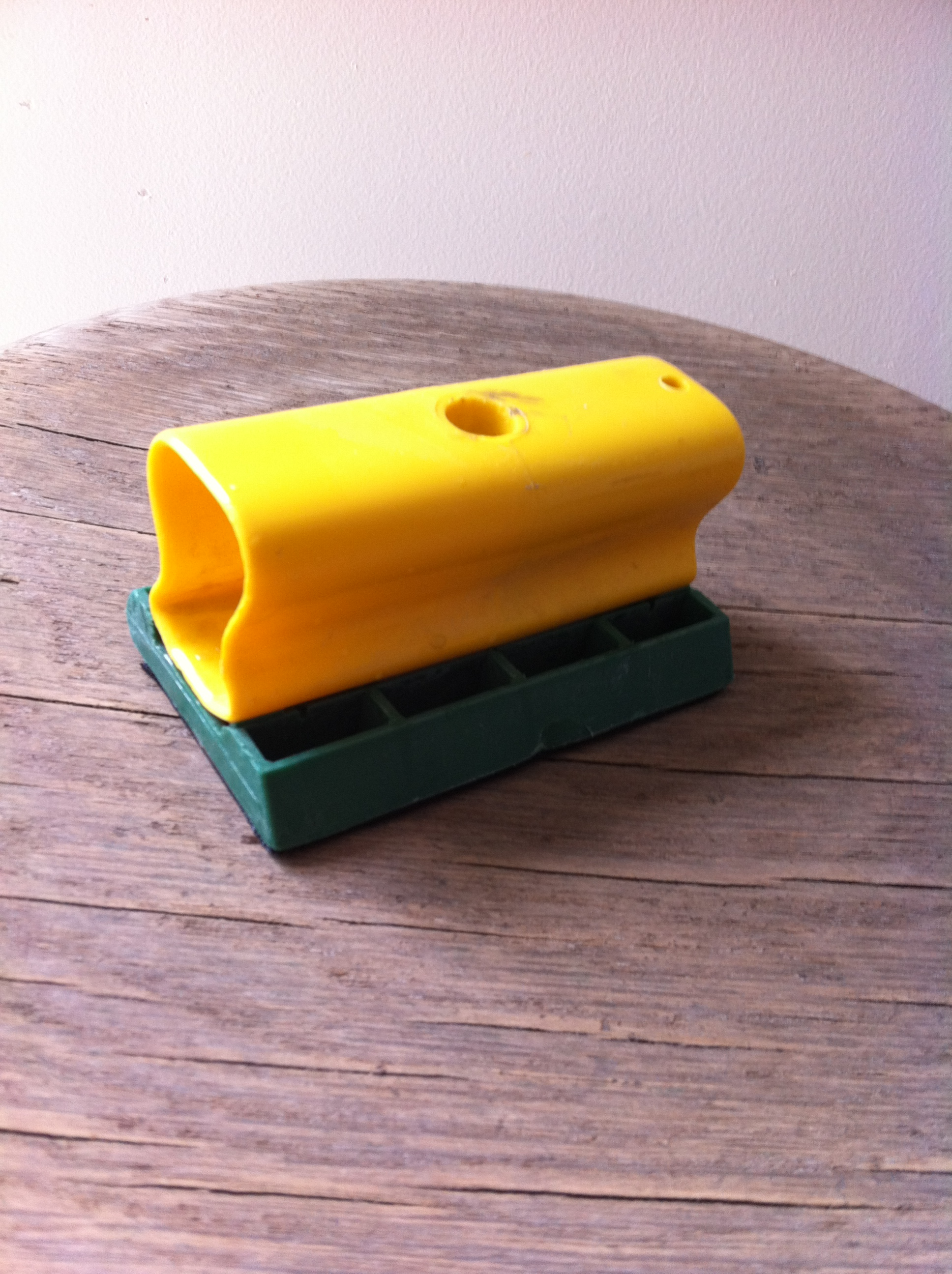 Le sablage pas si dur que a et voil atelier for Peinture pour meuble en bois sans poncage