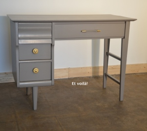 Peinture l eau et voil atelier - Repeindre un bureau en bois ...