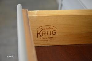 Pupitre, intérieur tiroir et marque fabricant