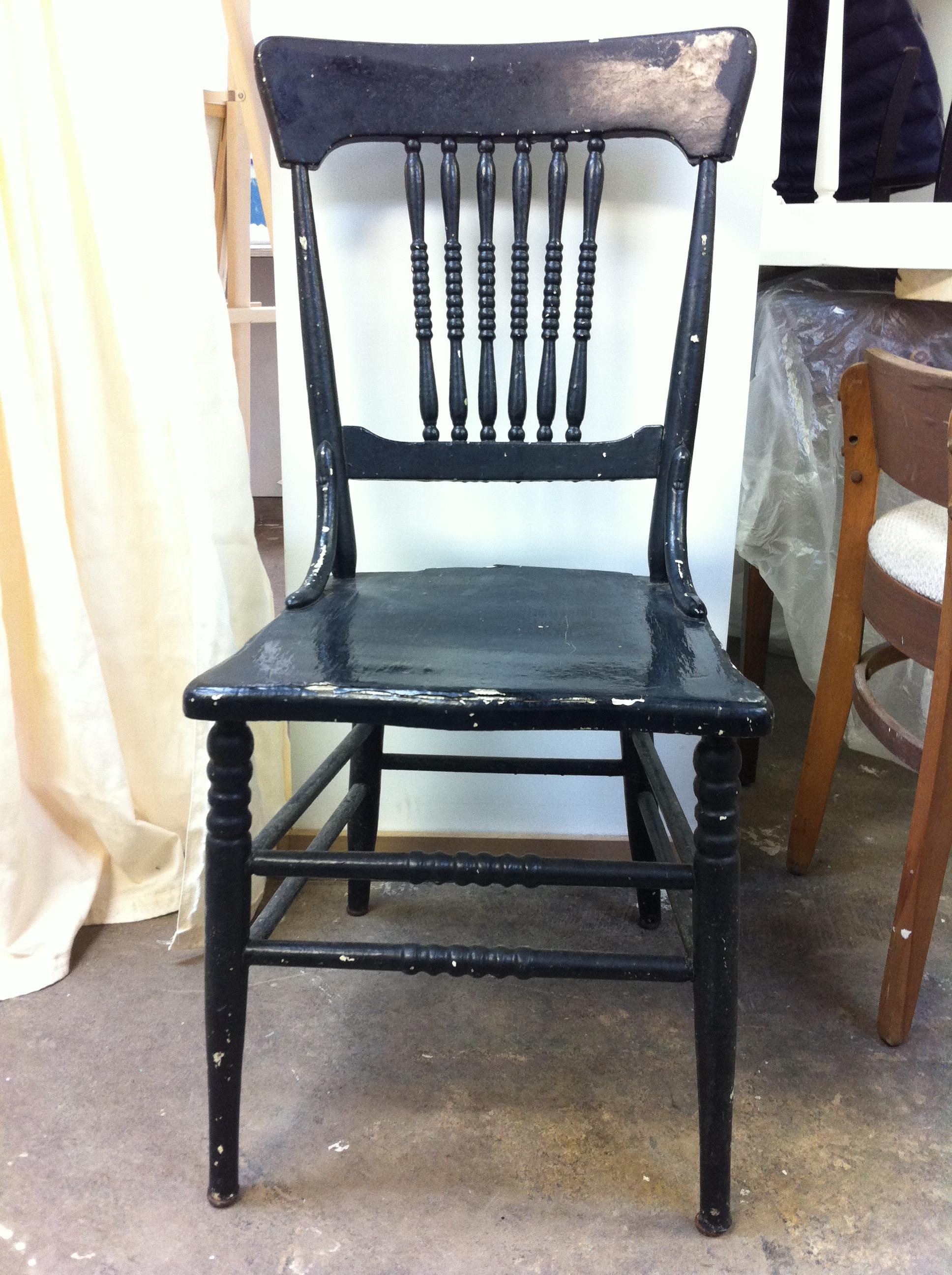 chaise barreaux style windsor et voil atelier. Black Bedroom Furniture Sets. Home Design Ideas