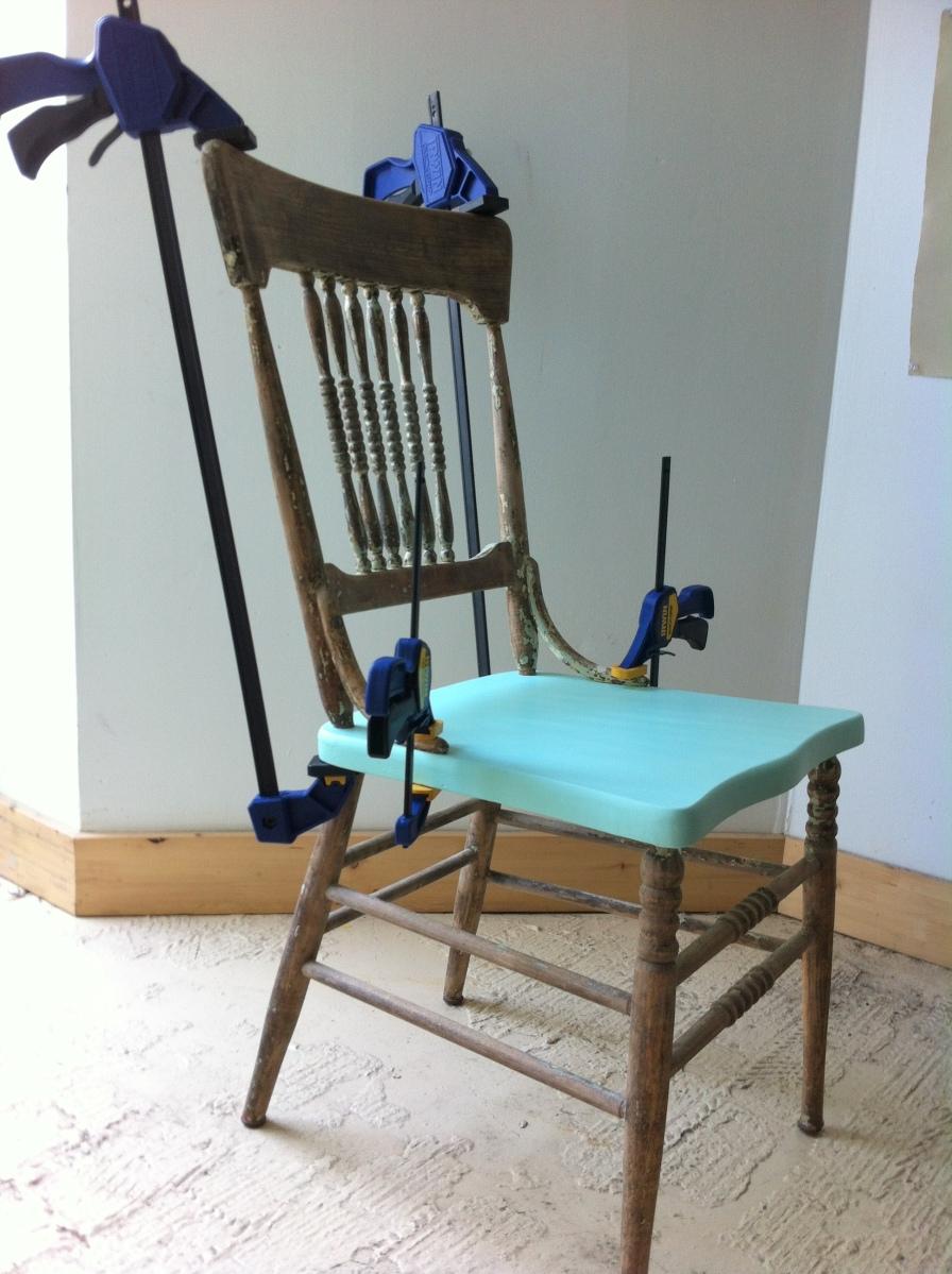 mise sous serres d une chaise et voil atelier. Black Bedroom Furniture Sets. Home Design Ideas