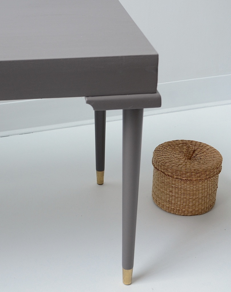 Table basse taupe et laiton et voil - Table basse taupe ...