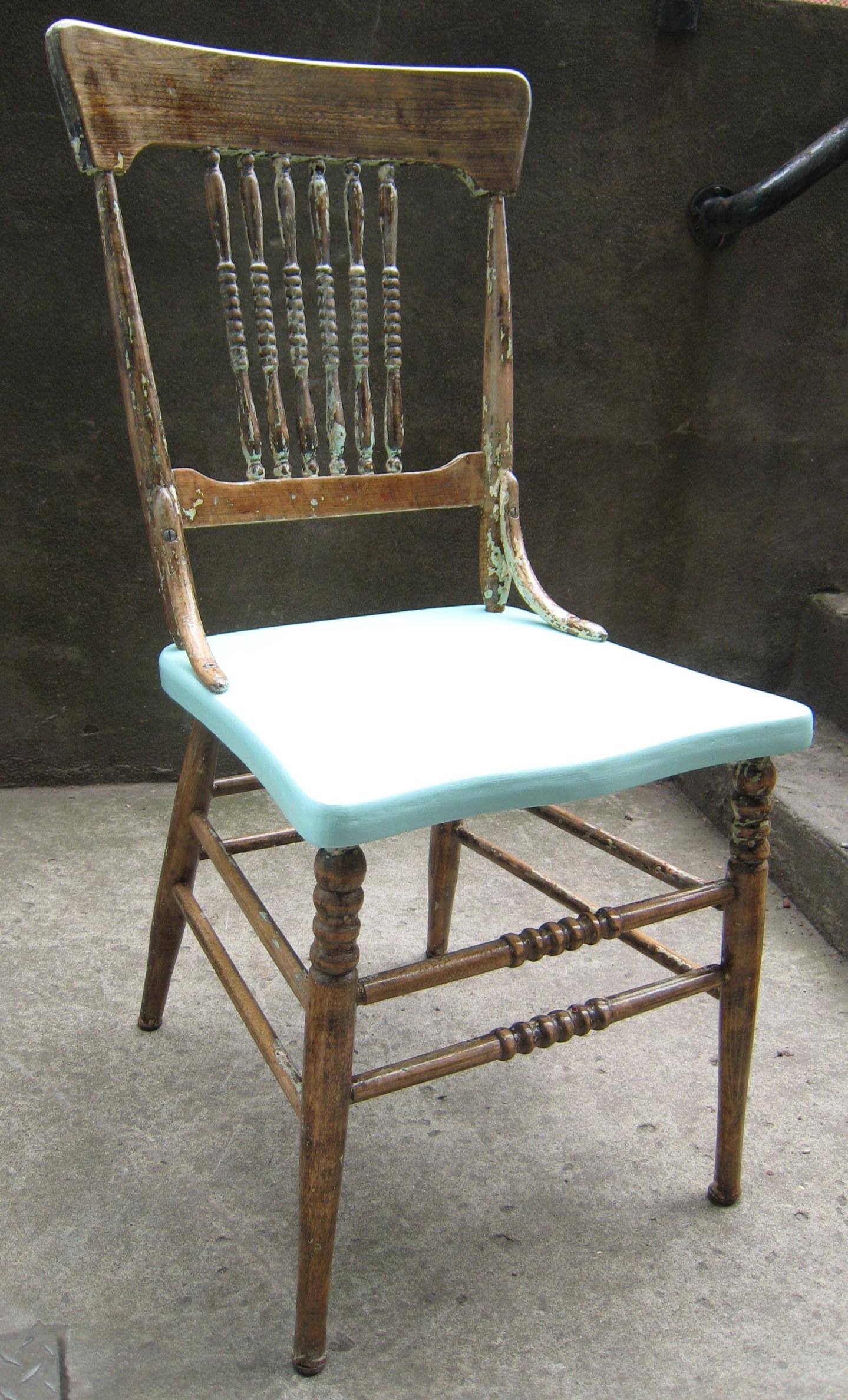 La nouveaut de la semaine une chaise barreaux style for Chaise a barreaux