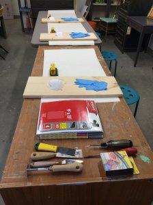 Atelier technique de ponçage - et voila renovation meubles vintage modernisés a la main et accessoires de déco in Montreal Canada 2