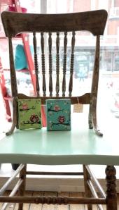chaise vintage aqua par Et voila atelier