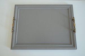 Plateau de service gris taupe et poignées vintage en laiton vieilli - etvoilaatelier - birdview 1