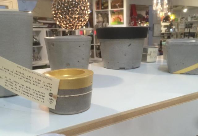 Collection d'objets en ciment Et voilà Atelier en boutique déco chez Ludovik
